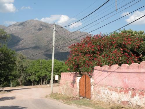 vue sur Uritorco Capilla del Monte.JPG