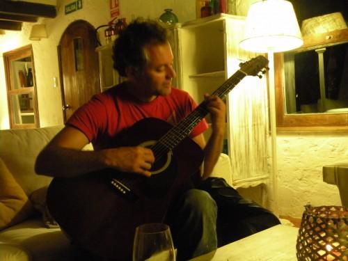 Guri guitare.JPG