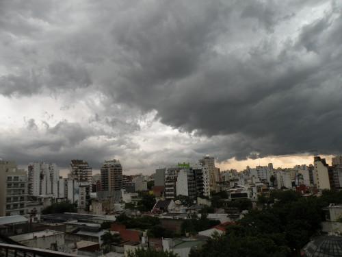 Tempête Buenos Aires ca va faire mal.JPG