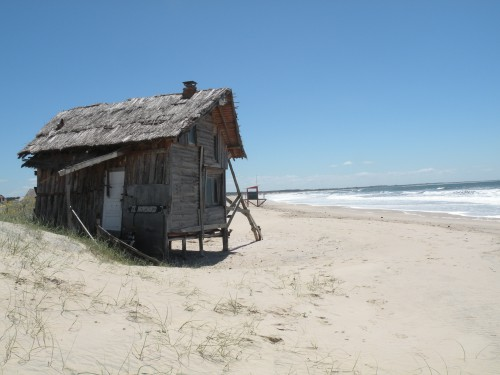 Rancho face à la mer Valizas.JPG