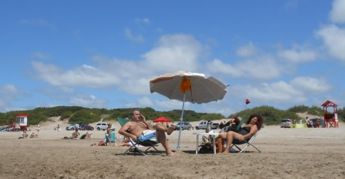 A la plage-petit.JPG
