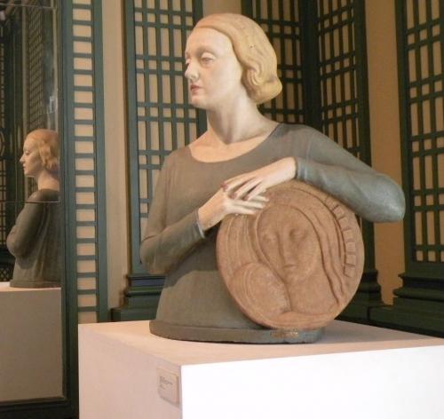 Une dame et son reflet.jpg