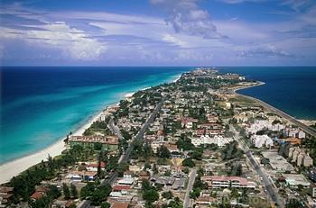 Vue aérienne de Varadero.jpg